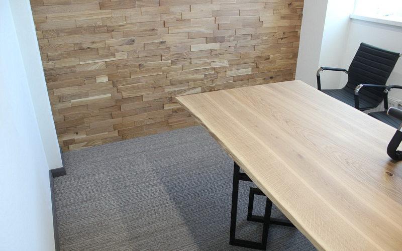 Декоративная плитка и стол